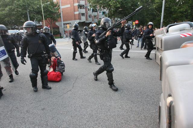 ::: Barcelona: Los diputados han conseguido entrar, veremos cómo salen :::