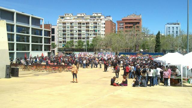 Crònica del 1r de maig de l'acte de la CNT a Barcelona i de la manifestació anticapitalista de la tarda