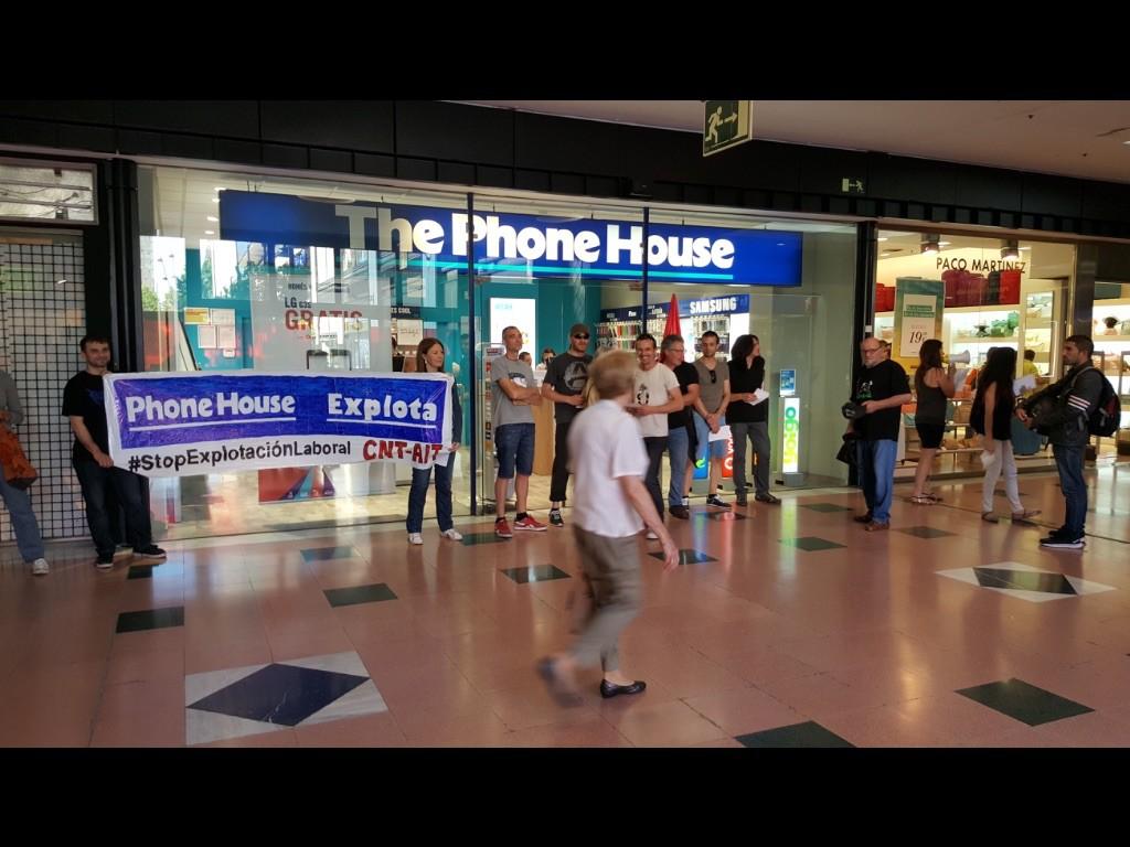 """Nuevo piquete en The Phone House en El centro de """"les Glòries"""""""