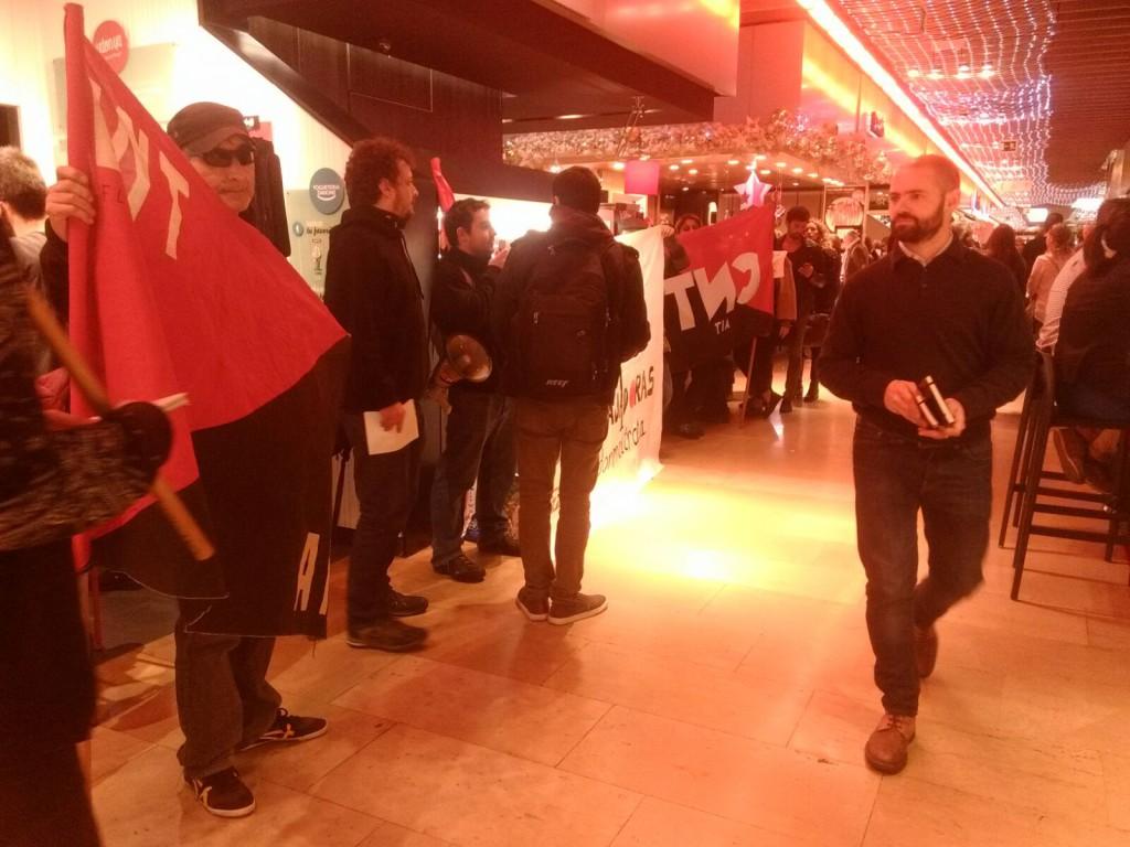 La CNT-AIT de Barcelona comença conflicte amb la cadena de restaurants UDON