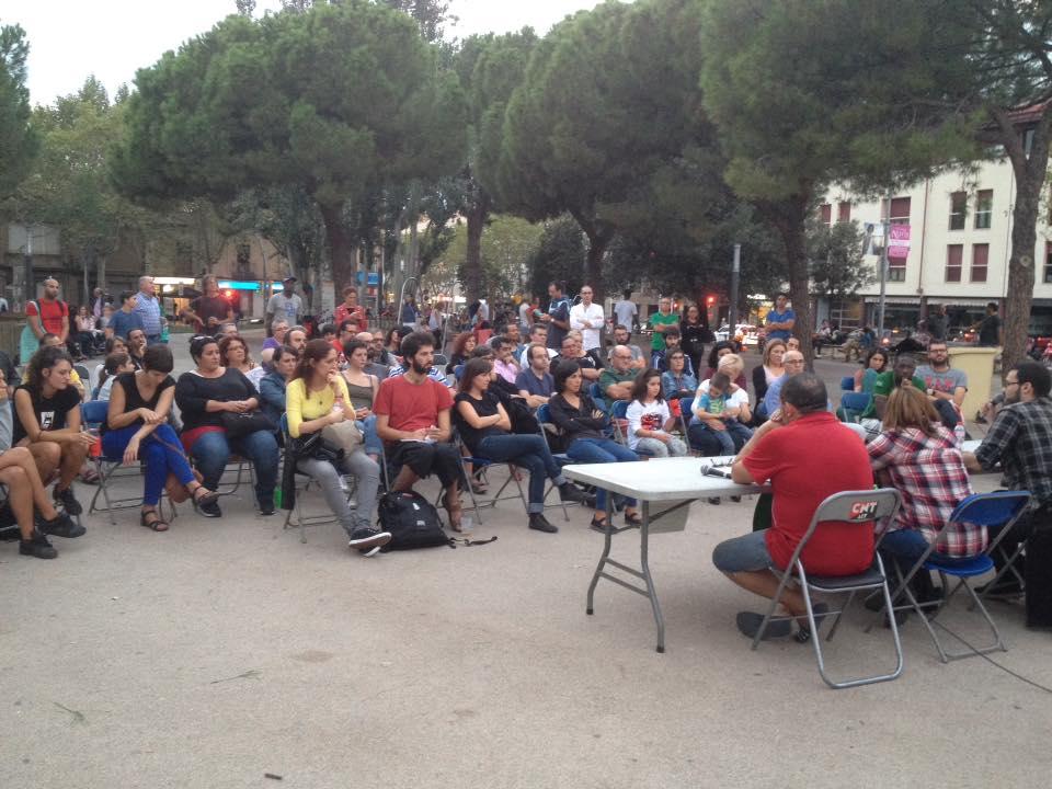 La Federació Anarquista de Gran Canaria (FAGC) i la PAHC de Sabadell fan un debat sobre l'ocupació de l´habitatge a la Plaça Marcet de Sabadell